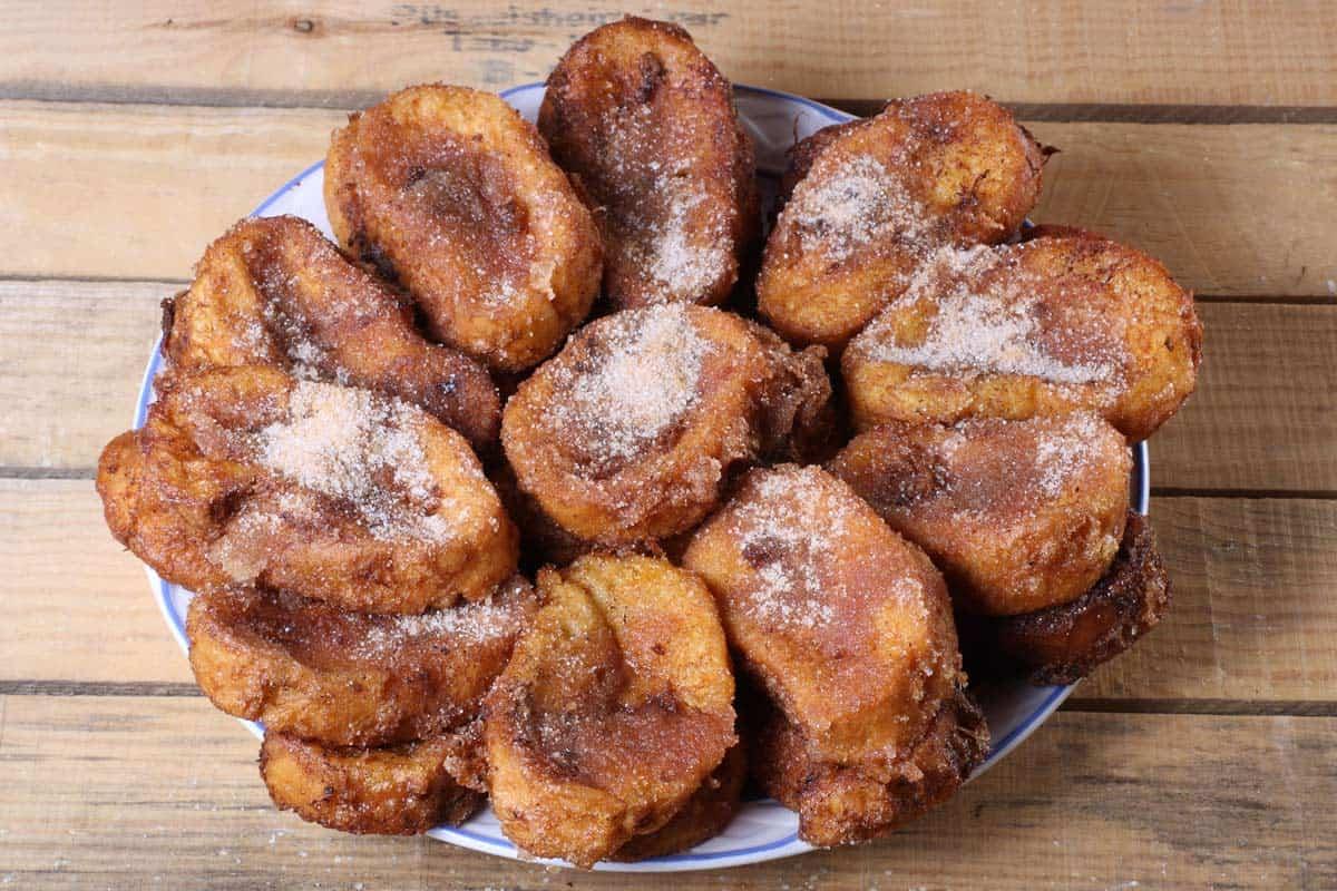 Torrijas de Pan en almíbar